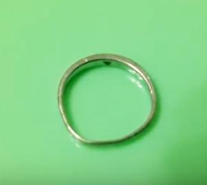 歪んだ指輪 直し方